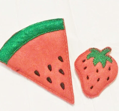 2 Pc set of fruit play food includes watermelon and strawberry