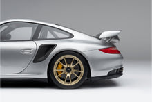 Load image into Gallery viewer, Porsche 911 GT2 RS (2010) - 1:8