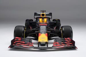 Aston Martin Red Bull Racing RB15 - 1:8