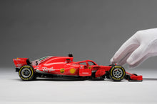 Load image into Gallery viewer, Ferrari SF71H Vettel - 1:18