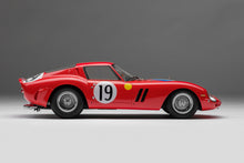 Load image into Gallery viewer, Ferrari 250 GTO - 1:18