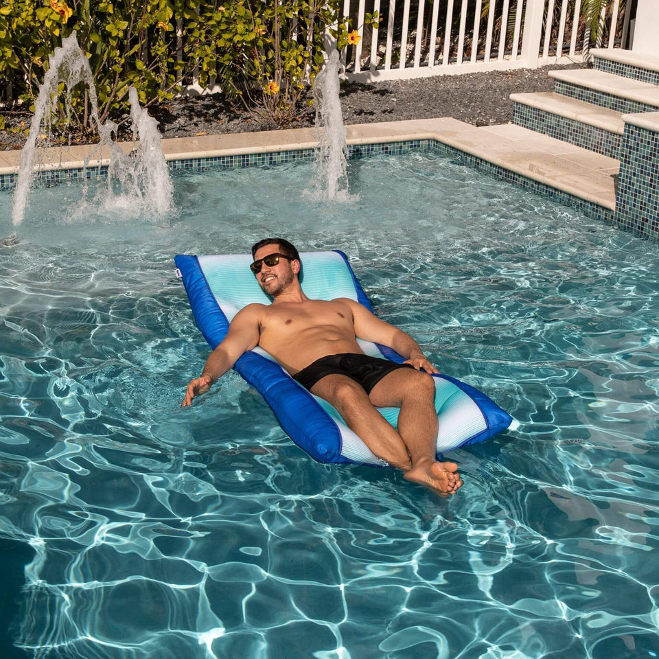 Fade Aqua Kona Pool Float with Model 0953679