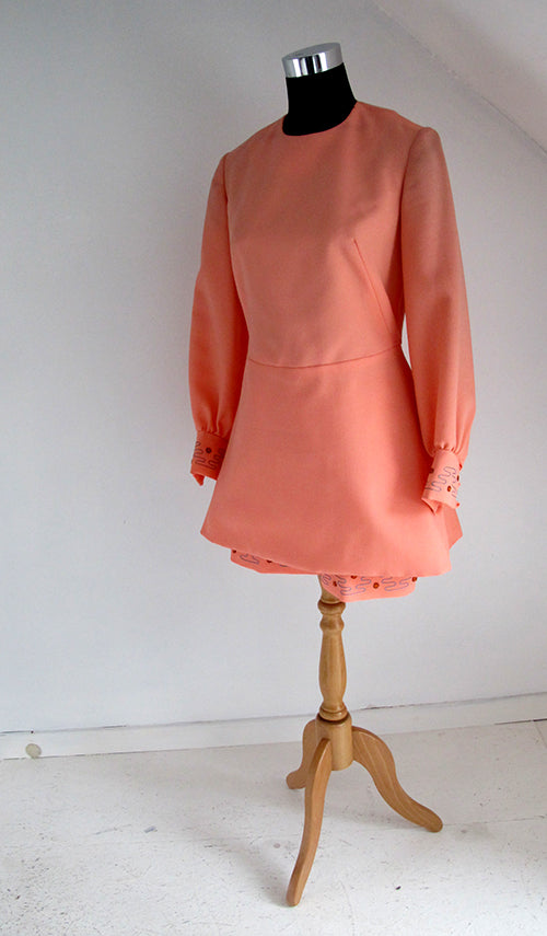 seventies vintage coral shorts and tunik combo front view without belt