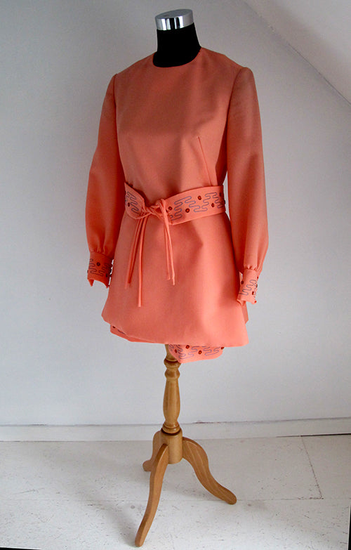 seventies vintage coral shorts and tunik combo front view