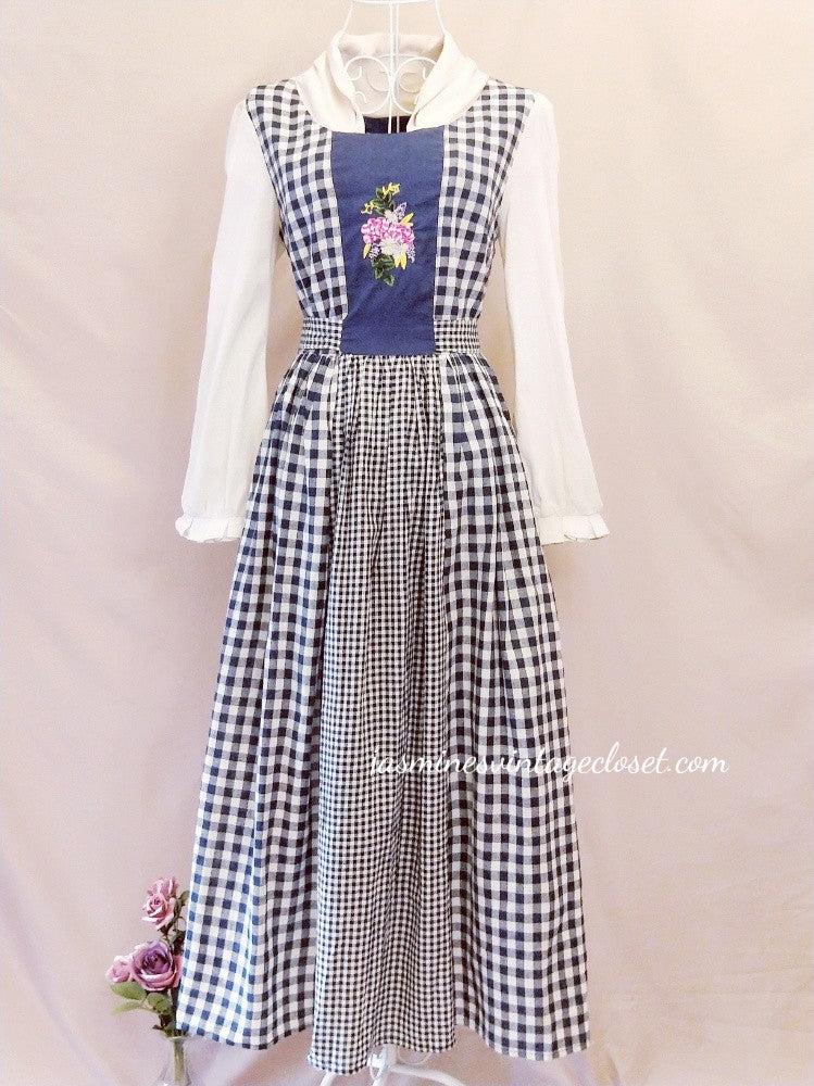 Alpines Valley dress (headkerchief included)