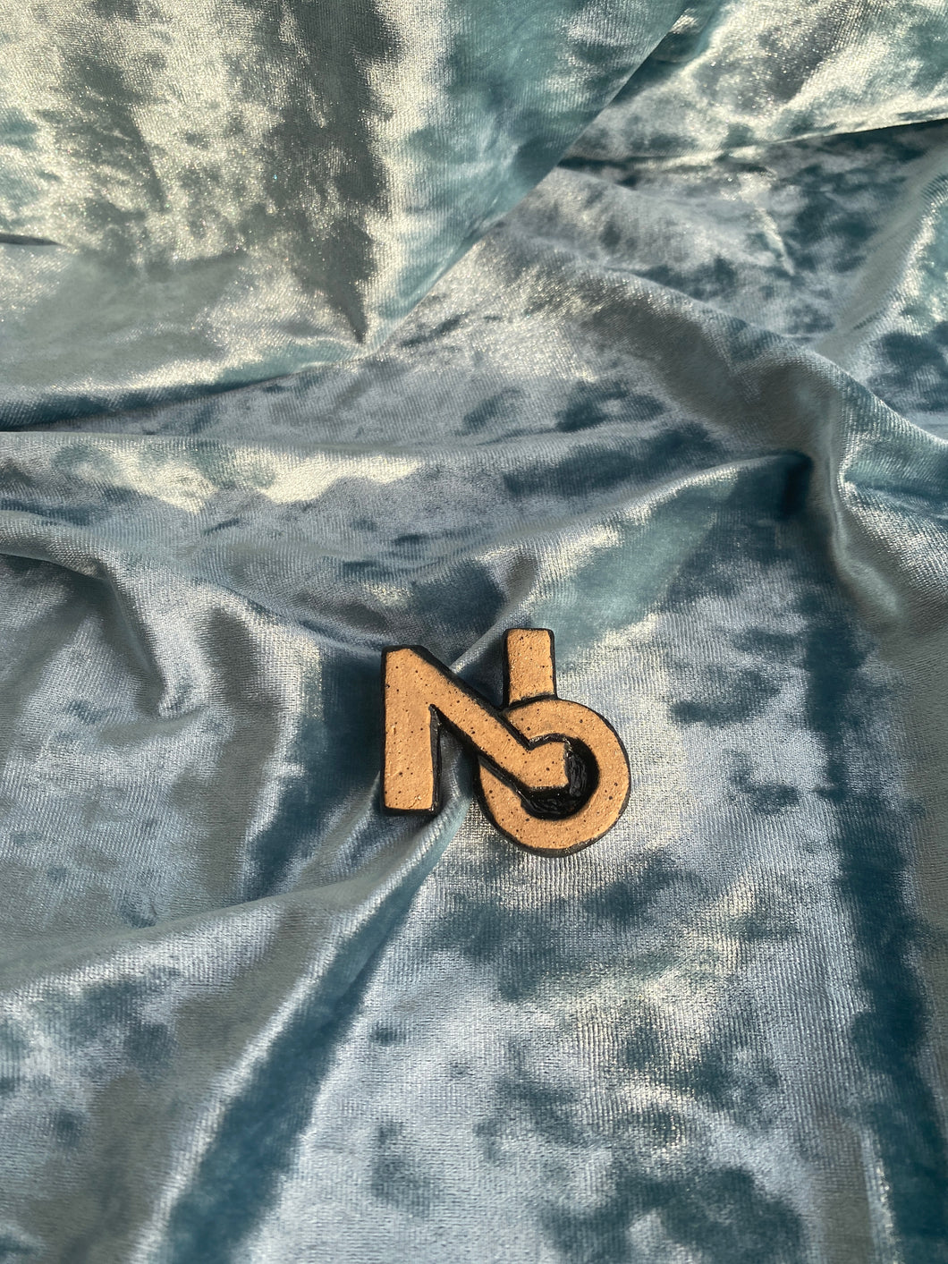CERAMIC PIN no. 01 (NO black)