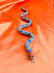 SNAKE no. 21 (Turquoise triangle)