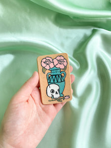 MAGNET no. 02 (Rose and skull)