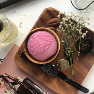 FOREO LUNA play Facial Cleanser Brush Pearl Pink Ultra-Portable and Fully Waterproof Sonic Cleansing Device