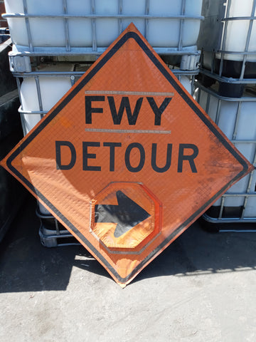 FREEWAY CONSTRUCTION DETOUR SIGN ORANGE ADJUSTABLE ARROW