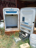VINTAGE RUSTY WESTINGHOUSE REFRIGERATOR FRIDGE SINGLE UNIT