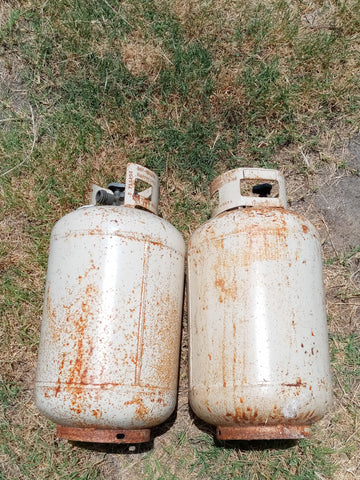 WHITE MEDIUM PROPANE TANK SINGLE UNIT
