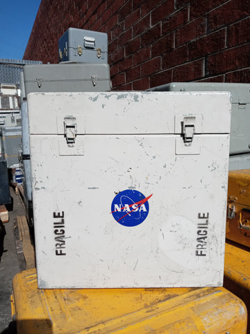 NASA WHITE CARGO CONTAINER BOX CASE AMMO MEDICAL SUPPORT MILITARY SINGLE UNIT