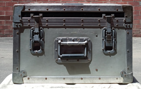 GREY MEDIUM CARGO CONTAINER BOX CASE AMMO MEDICAL SUPPORT MILITARY USN USAF SINGLE UNIT