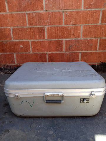 RCA PRESSURIZED GREY MEDIUM CARGO CONTAINER BOX CASE AMMO MEDICAL SUPPORT MILITARY USN USAF SINGLE UNIT