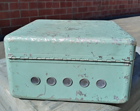 TEAL SMALL CARGO CONTAINER BOX CASE AMMO MEDICAL SUPPORT MILITARY USN USAF SINGLE UNIT