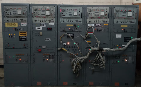 AEROSPACE LABORATORY ELECTRICAL SYSTEM NASA MILITARY MISSILE SWITCH BUTTON PANEL SINGLE UNIT