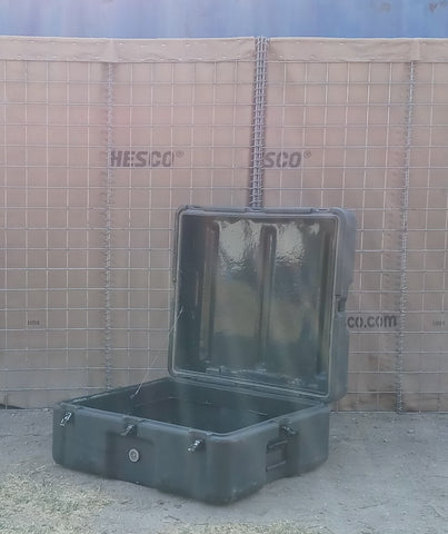 MEDIUM GREEN OLIVE DRAB CARGO CONTAINER CASE BOX AMMO MEDICAL MILITARY