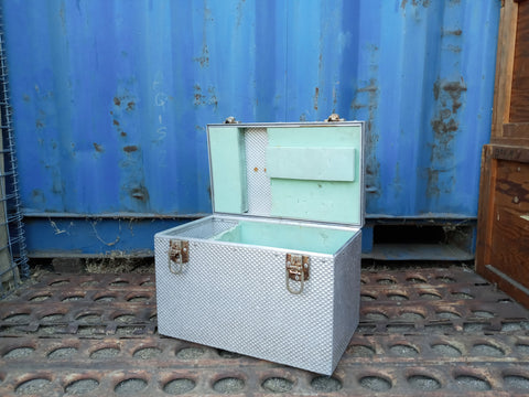 SMALL VINTAGE SILVER SCALES AMUMINUM CARGO CONTAINER BOX CASE AMMO MEDICAL SUPPORT MILITARY USN USAF SINGLE UNIT