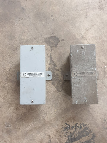 PRESSURE TRANSDUCER GREY INDUSTRIAL BOX MAMAC SYSTEMS