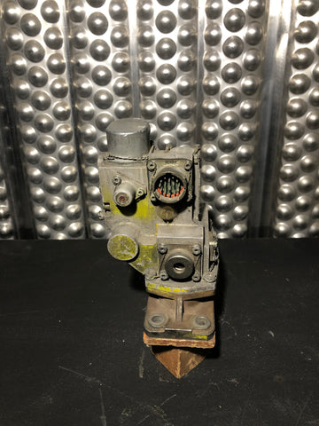 AEROSPACE MOOG INJECTOR VALVE ELECTRICAL SOLENOID GREY BROWN SINGLE UNIT