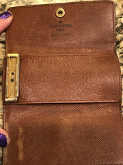 Authentic Pre Loved Louis Vuitton Key Holder