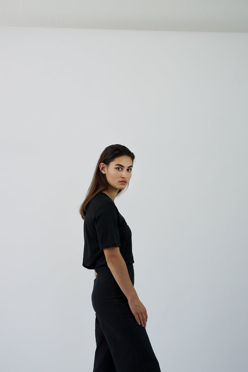 t-shirt olive sideview