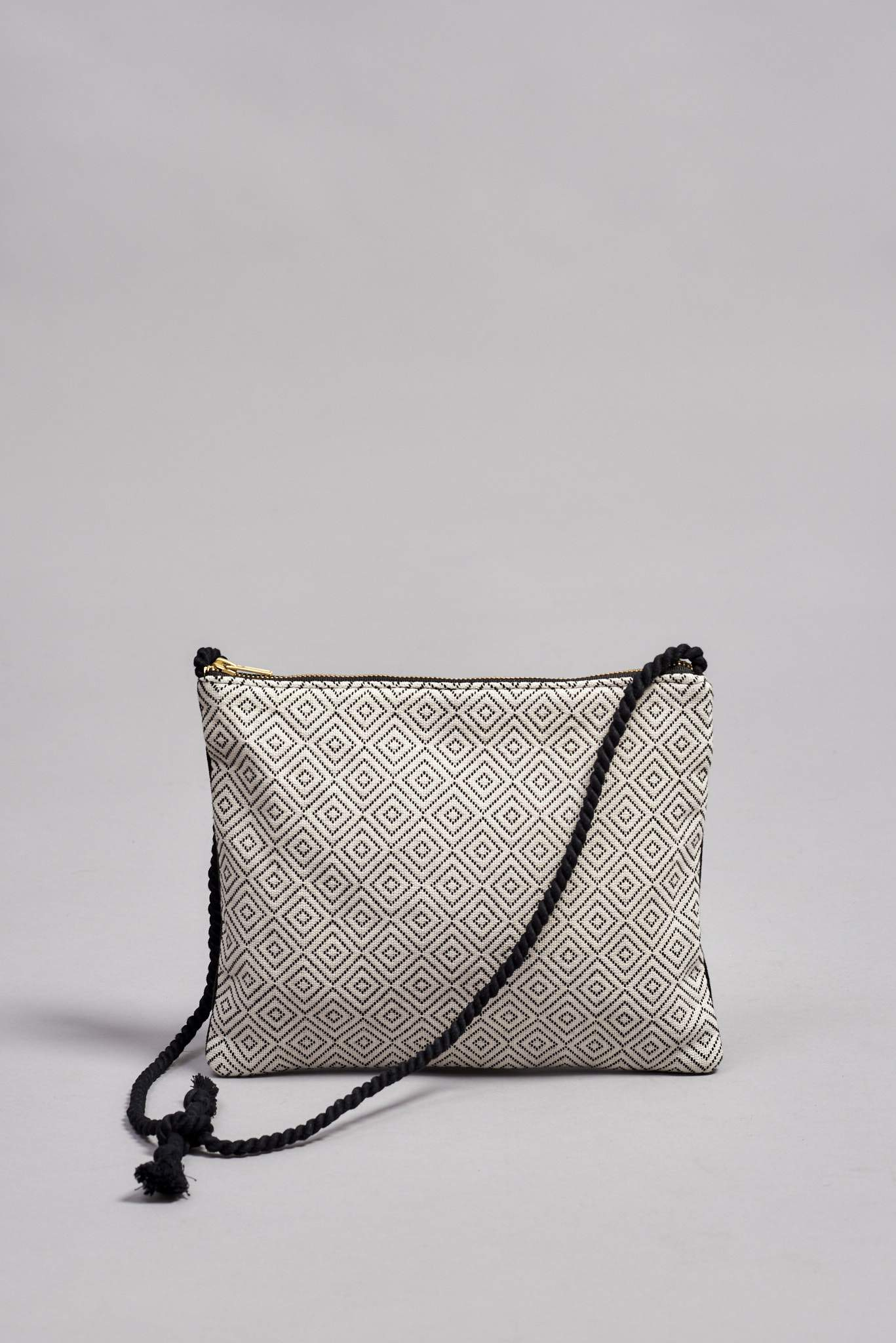 DIAMOND SHOULDER CLUTCH ANGELITA