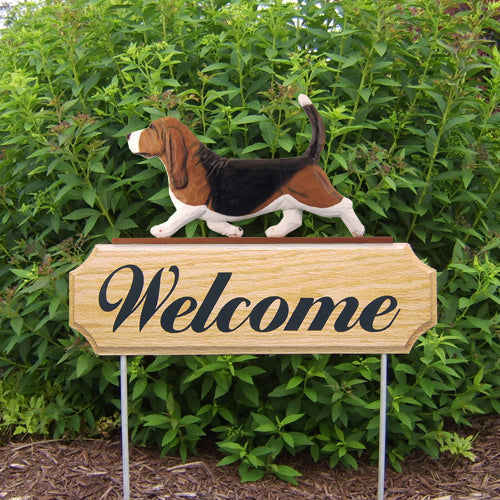 Basset Hound Dog in Gait Yard Welcome Stake Black and White