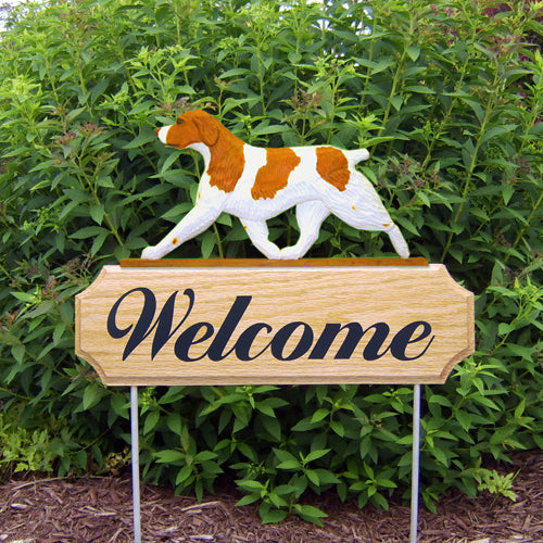 Brittany Dog in Gait Yard Welcome Stake Liver