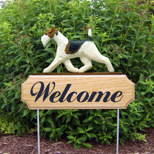 Fox Terrier wire Dog in Gait Yard Welcome Stake