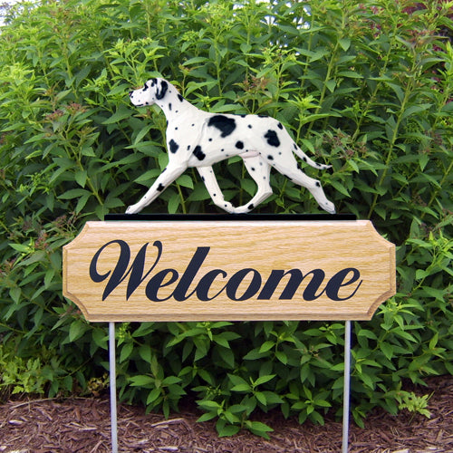 Great Dane Natural Dog in Gait Yard Welcome Stake Black