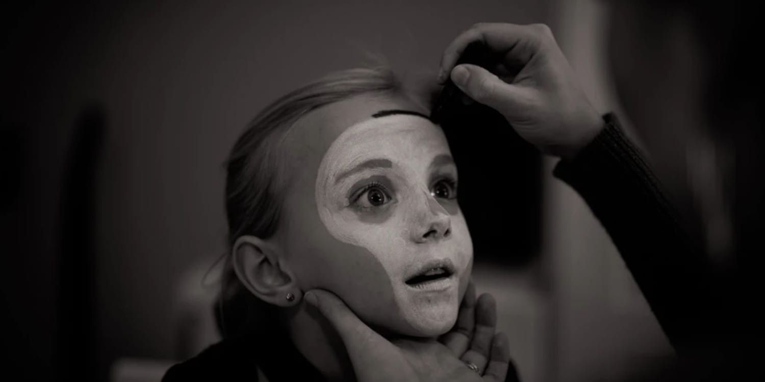 young-child-skull-make-up