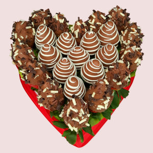 Chocolate Strawberries Love Heart - Gift baskets by Amora