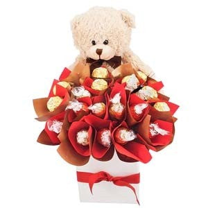TEDDY BEAR BLOOMS - Gift baskets by Amora