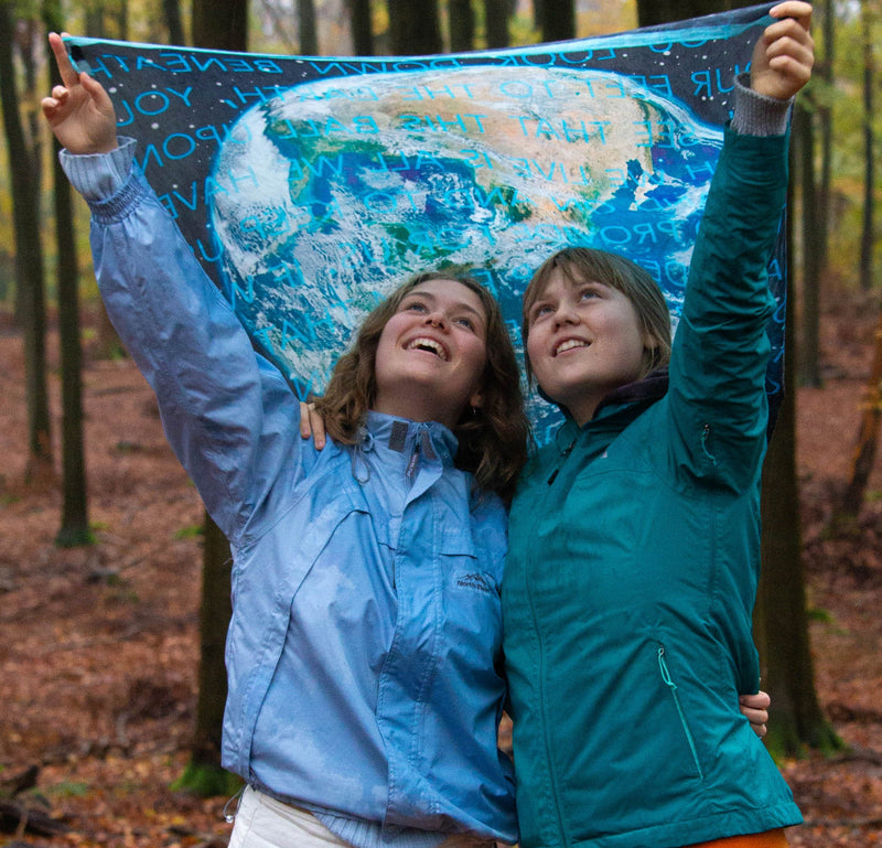 Earth scarf for the future