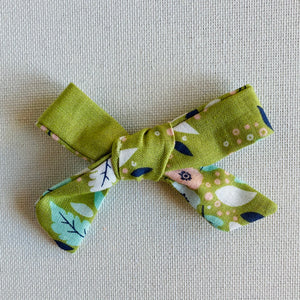 Green Flora Bow Hair Clip