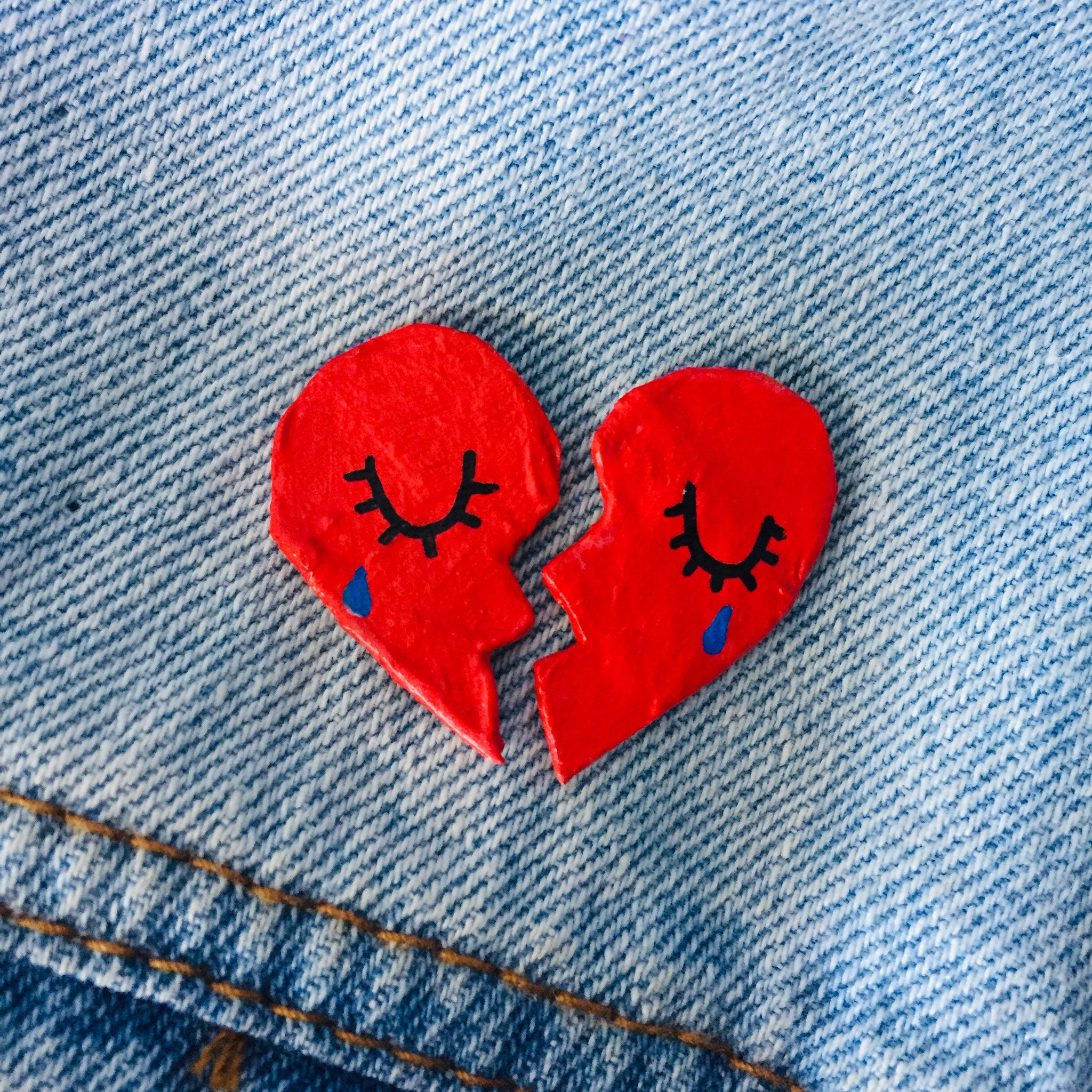 Broken heart Lapel Pins