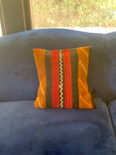 Load image into Gallery viewer, Kilim pillow