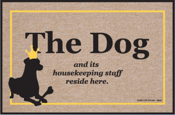 Funny-Doormat-Dog-And-Housekeeping-Staff