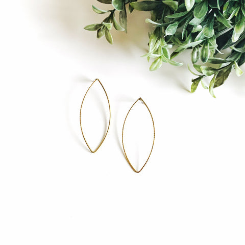Delicate Shape Earrings - Levi Style