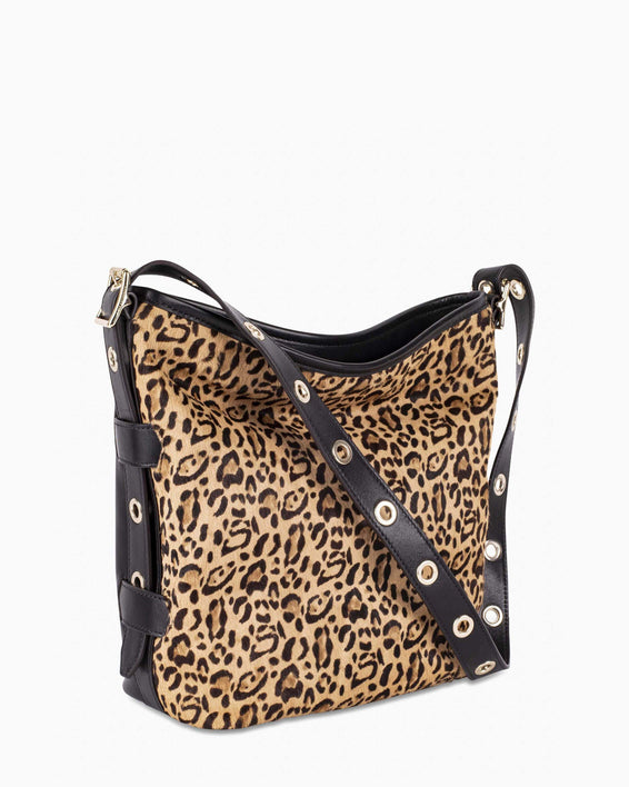Buckle up Bucket - Leopard side angle