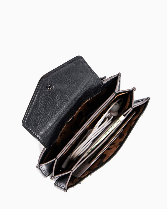 When In Milan Accordion Wallet Olive - interior functionality