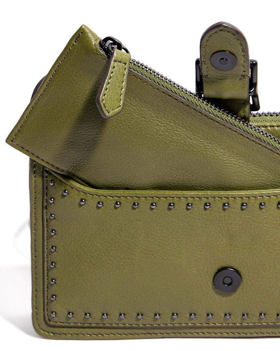 Around The World Phone Crossbody Olive - wallet detail