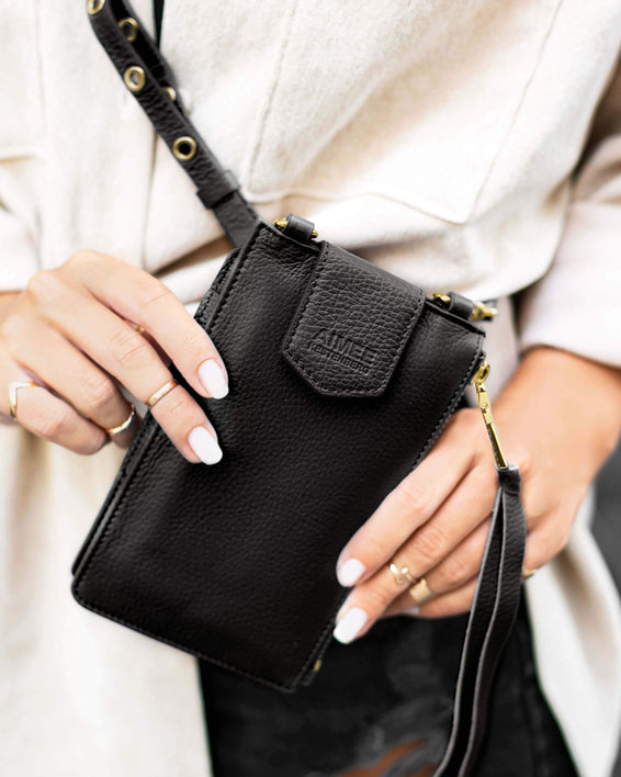 Out Of Office Phone Crossbody - black on model