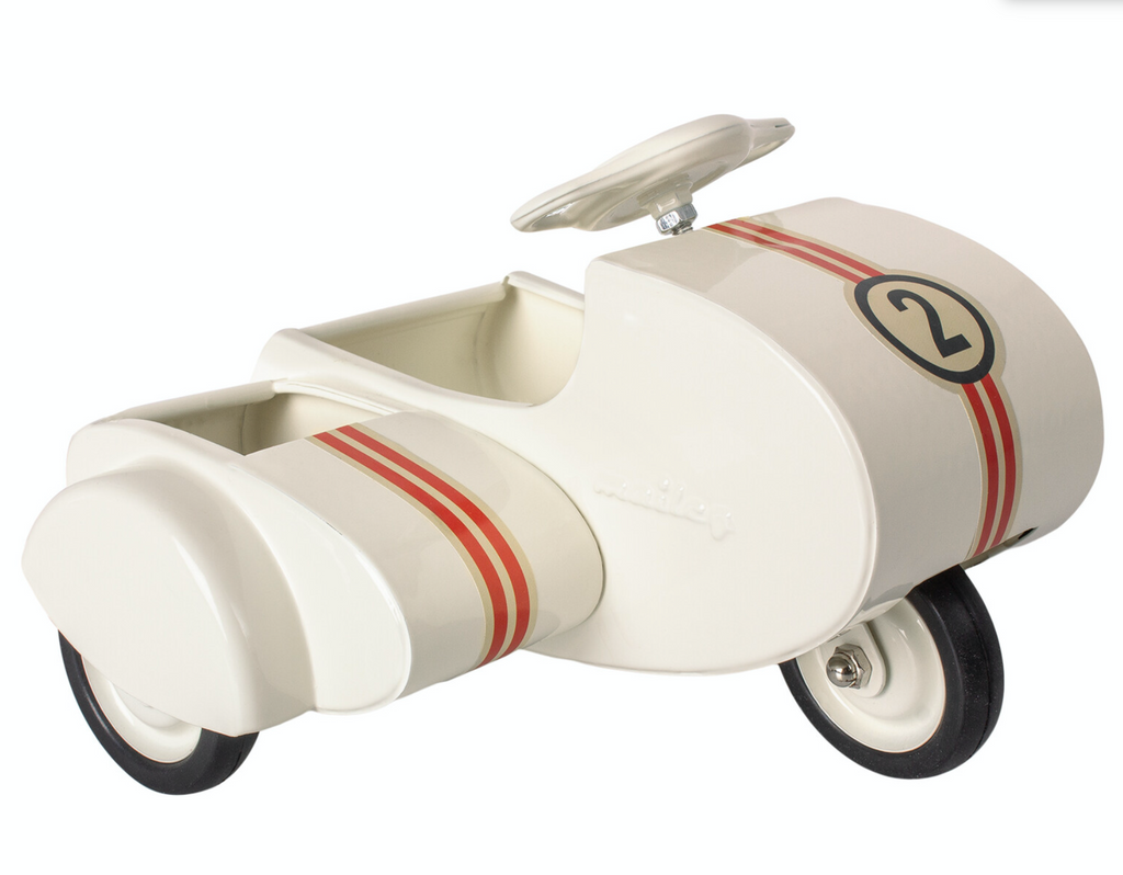 Maileg white scooter sidecar