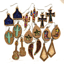 Load image into Gallery viewer, Star wood glitter earrings