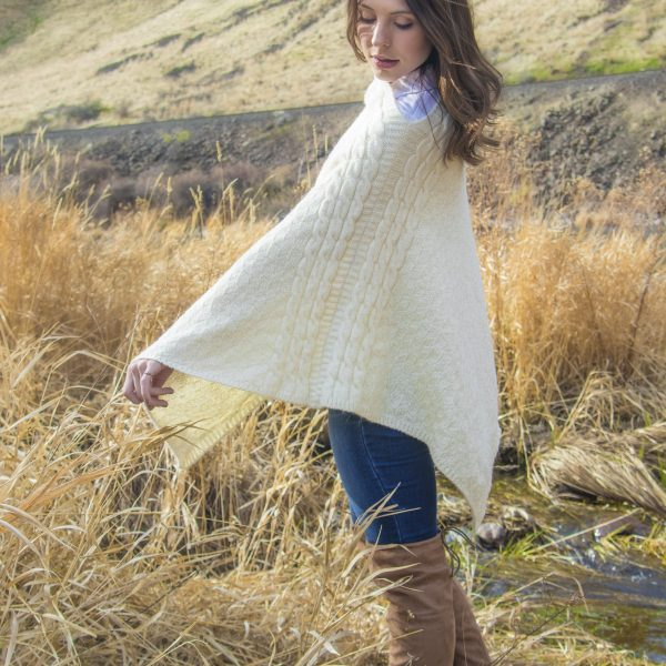 Cabled Accent Pacarino Poncho