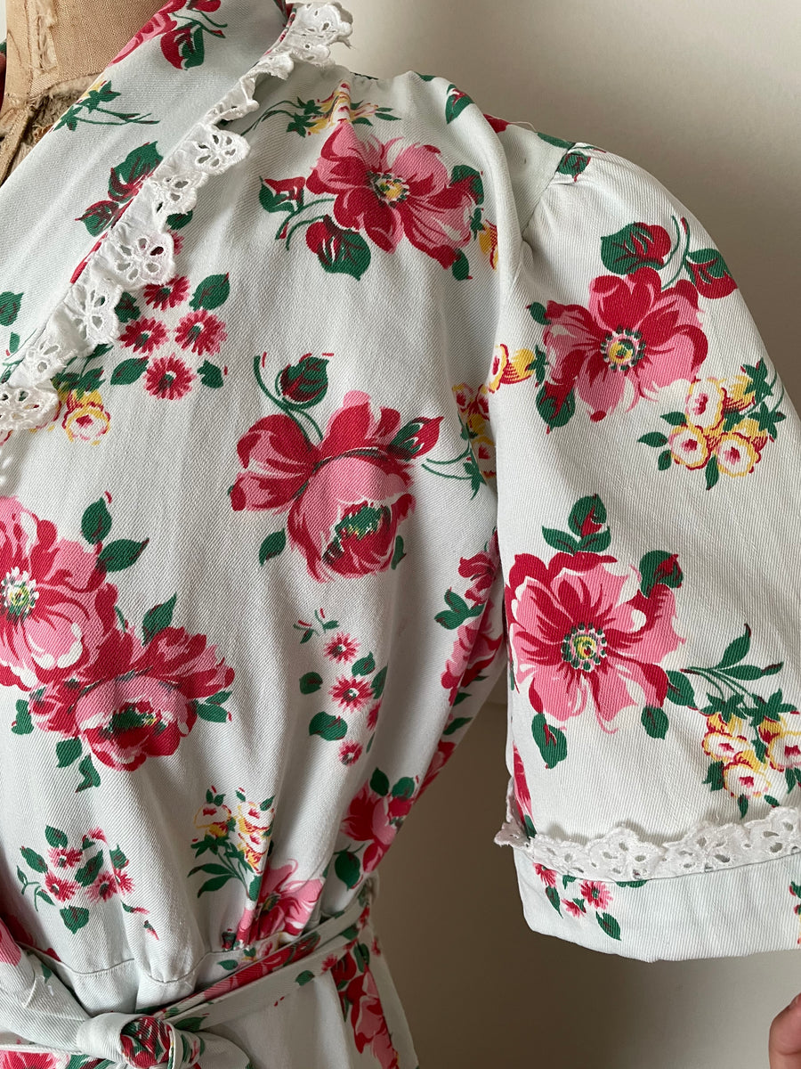 1940's Cotton Rose Print Dressing Gown - Size M