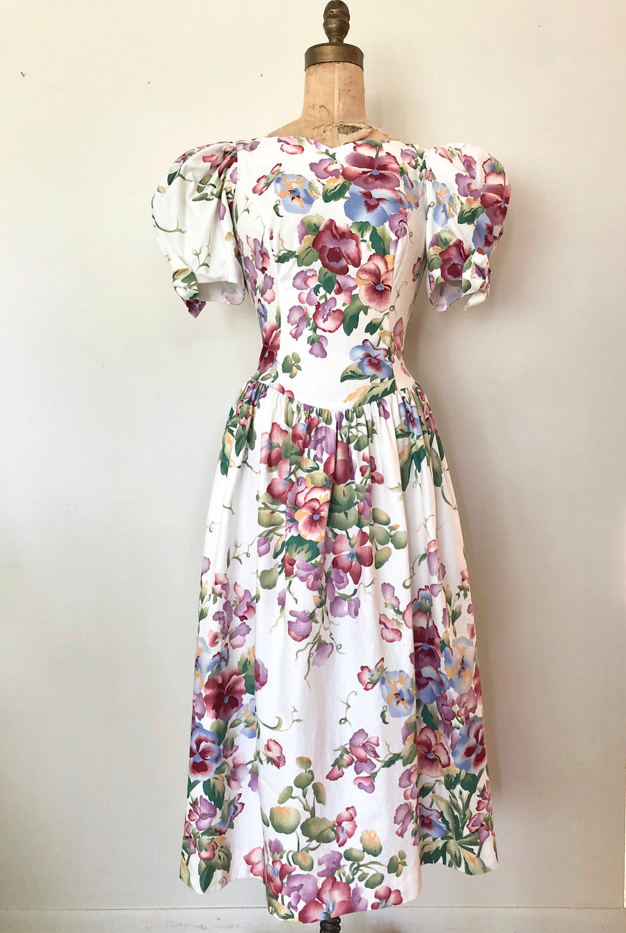 1980's Floral Cotton Dress with Puff Sleeves - Size M
